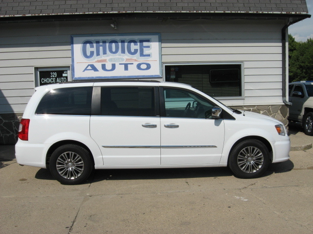 2014 Chrysler Town & Country  - Choice Auto
