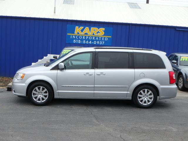 2012 Chrysler Town & Country  - Kars Incorporated