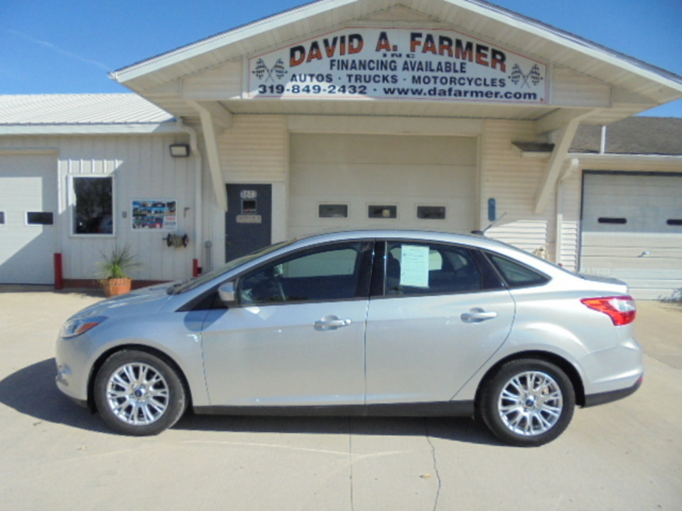 2012 ford focus se 4 door**new tires** - stock # 4225 - center point