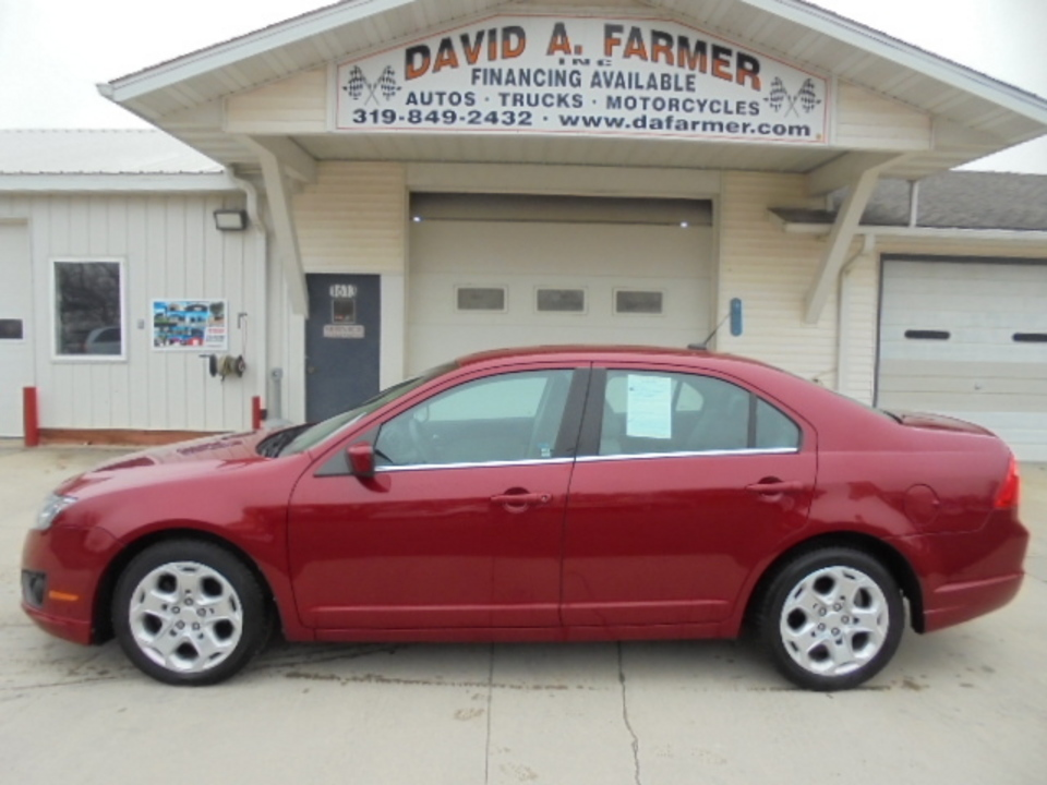 2010 ford fusion se 4 door**new tires** - stock # 4234 - center