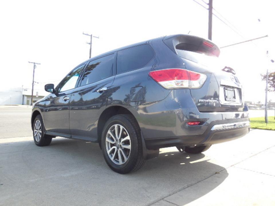 2013 Nissan Pathfinder  - Corona Motors