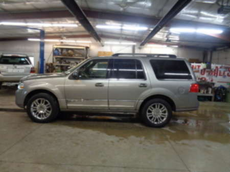 2008 Lincoln Navigator SPORT UTILITY 4X4 for Sale  - 282  - West Side Auto Sales