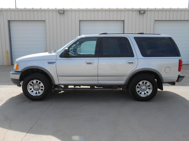 2002 Ford Expedition  - Auto Drive Inc.