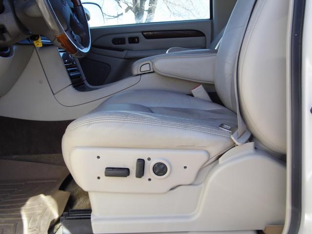 2003 Cadillac Escalade  - Family Motors, Inc.