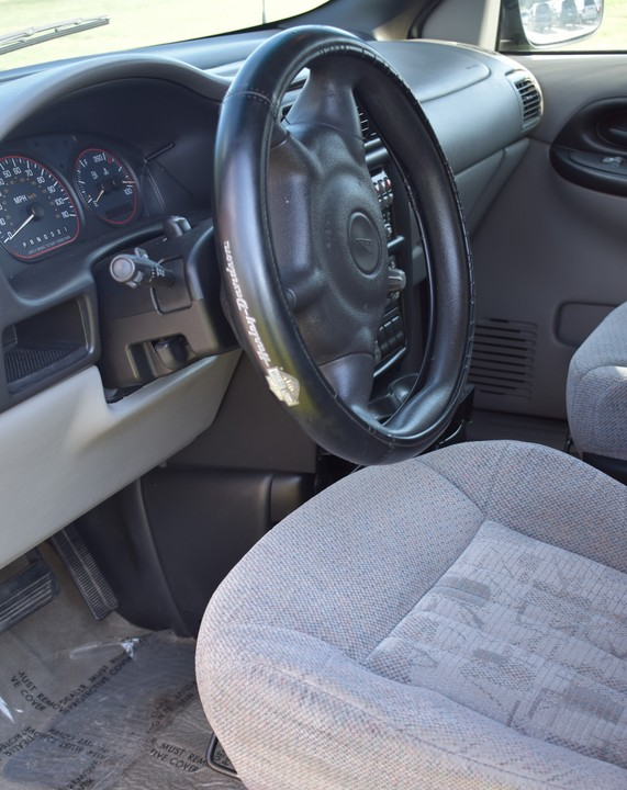 2004 Pontiac Montana  - Family Motors, Inc.