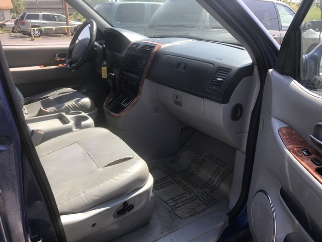 2004 Kia Sedona  - Family Motors, Inc.