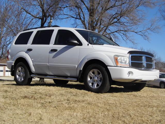 2005 Dodge Durango  - Family Motors, Inc.