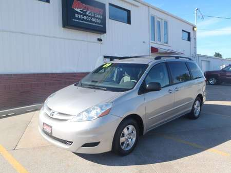 2009 Toyota Sienna LE for Sale  - 239270  - Martinson's Used Cars, LLC