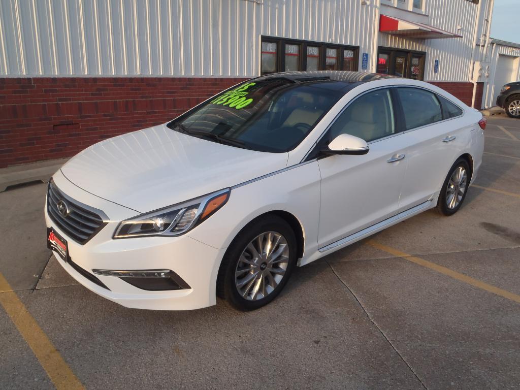 2015 Hyundai Sonata  - Martinson's Used Cars, LLC