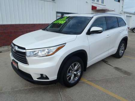 2015 Toyota Highlander XLE for Sale  - 126479  - Martinson's Used Cars, LLC