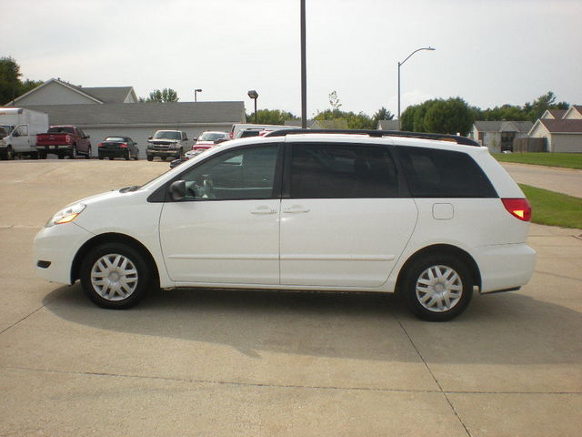 2009 toyota sienna le stock 53127 polk city ia 50226. Black Bedroom Furniture Sets. Home Design Ideas
