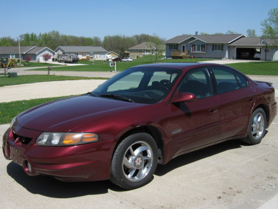 2000 Pontiac Bonneville  - Merrills Motors