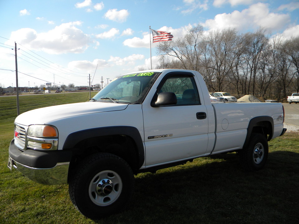 2002 GMC Sierra 2500HD  - Merrills Motors