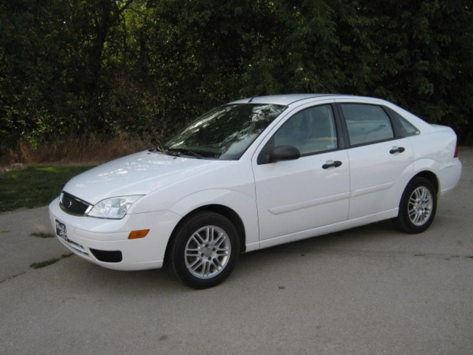 2007 Ford Focus  - Merrills Motors