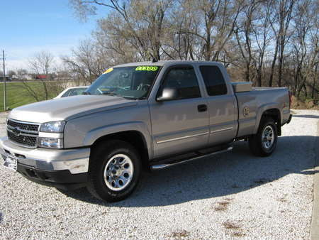 2006 Chevrolet Silverado 1500 LT1 for Sale  - 131061  - Merrills Motors