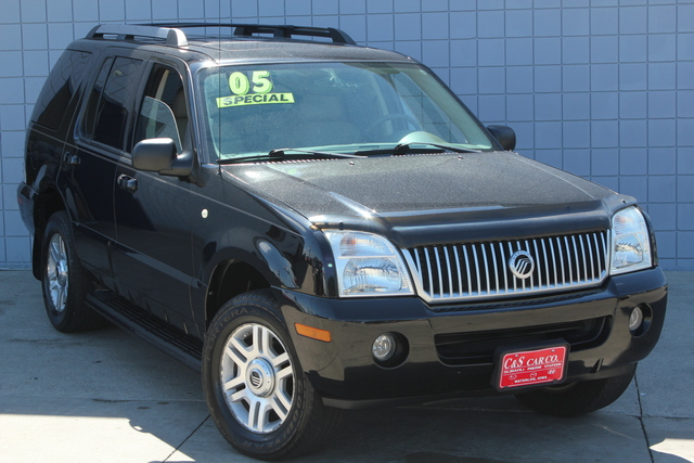 2005 Mercury Mountaineer  - C & S Car Company
