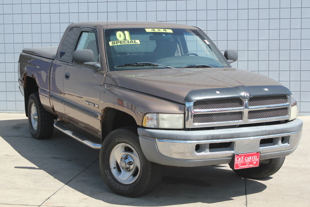 2001 dodge ram 1500 slt quad cab 4wd stock r15398 waterloo ia. Black Bedroom Furniture Sets. Home Design Ideas