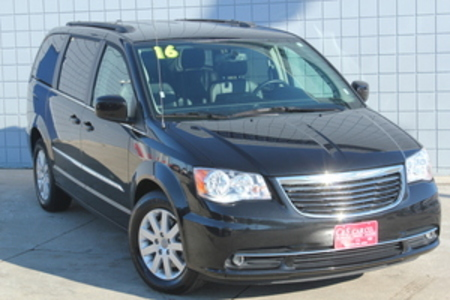 2016 Chrysler Town & Country Touring LWB for Sale  - 14464  - C & S Car Company