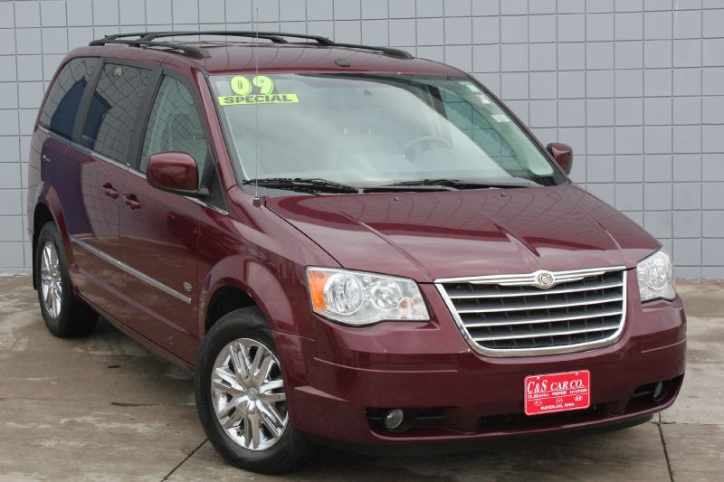 2009 chrysler town country touring lwb waterloo ia 50702 c s car company. Black Bedroom Furniture Sets. Home Design Ideas