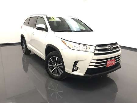 2017 Toyota Highlander XLE  AWD for Sale  - MA3090A  - C & S Car Company