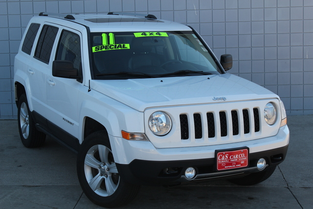2011 jeep patriot latitude x 4wd stock 14460. Black Bedroom Furniture Sets. Home Design Ideas