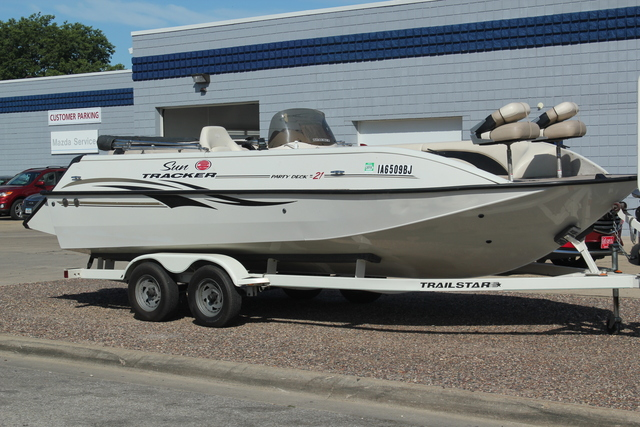2003 Tracker 21' party deck boat  - C & S Car Company