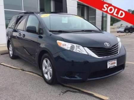2011 Toyota Sienna LE 7-Passenger Auto Access Seat for Sale  - 8417  - Coffman Truck Sales