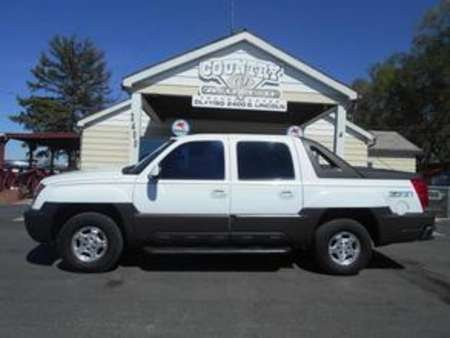 2003 Chevrolet Avalanche 4WD Crew Cab for Sale  - 7241  - Country Auto