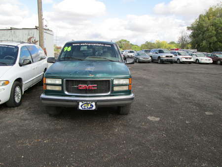 1996 GMC Suburban  for Sale  - 7318  - Country Auto