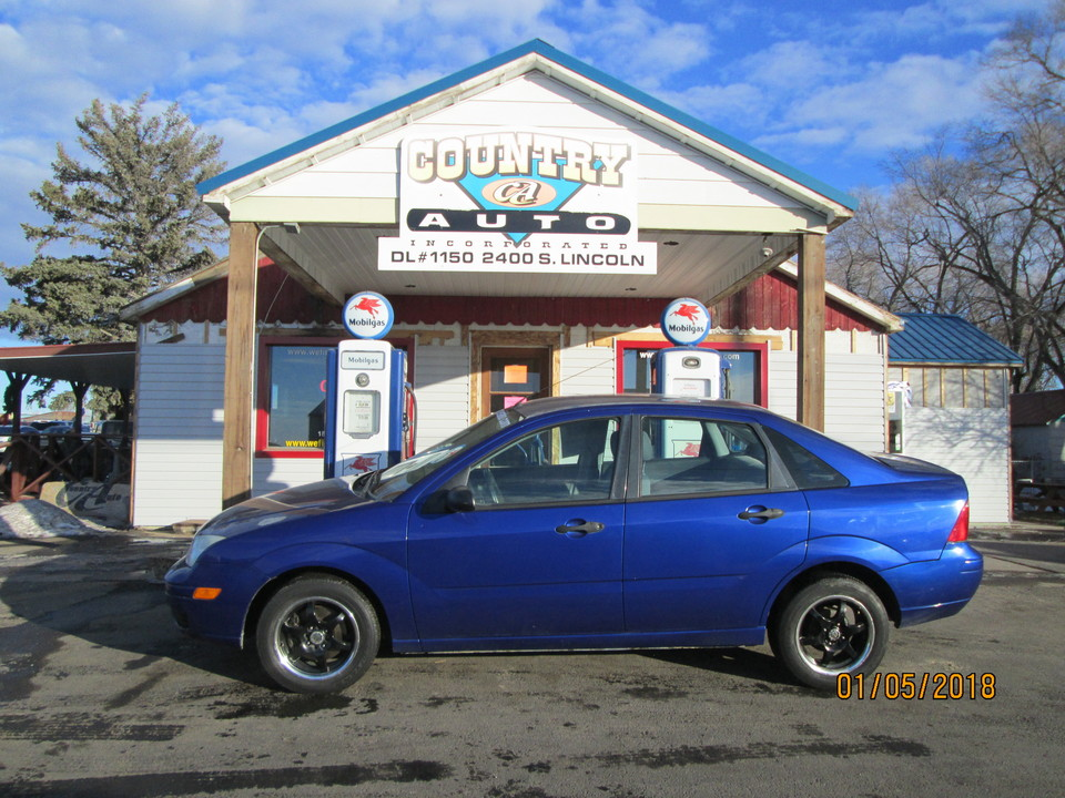 2006 Ford Focus  - Country Auto