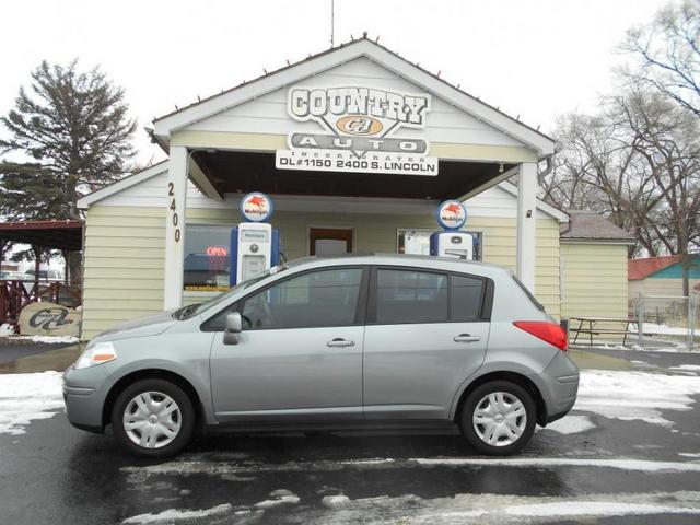 2011 Nissan Versa  - Country Auto
