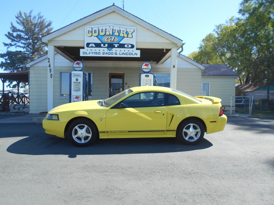 2001 Ford Mustang  - Country Auto