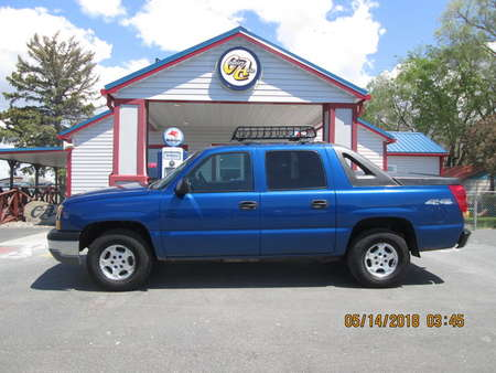 2004 Chevrolet Avalanche 4WD Crew Cab for Sale  - 7656  - Country Auto