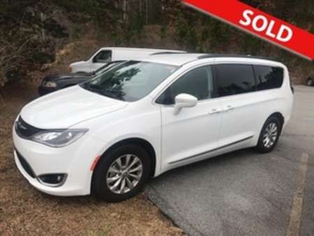 2017 Chrysler Pacifica Touring-L for Sale  - 82153  - Egolf Motors