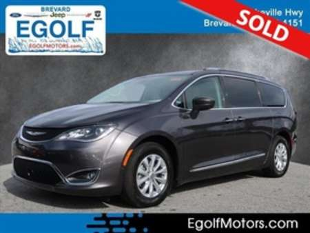 2018 Chrysler Pacifica Touring L for Sale  - 82290  - Egolf Motors