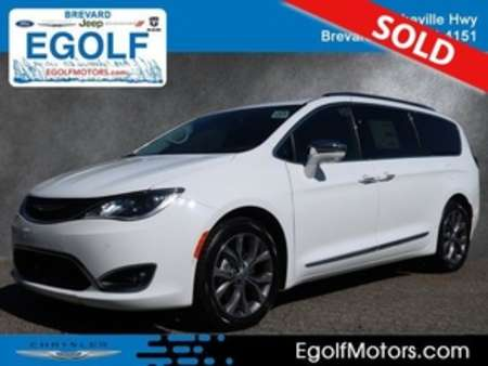 2019 Chrysler Pacifica Limited for Sale  - 21679  - Egolf Motors