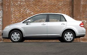 2008 Nissan Versa 1.8 SL  for Sale  - 17190  - Dynamite Auto Sales