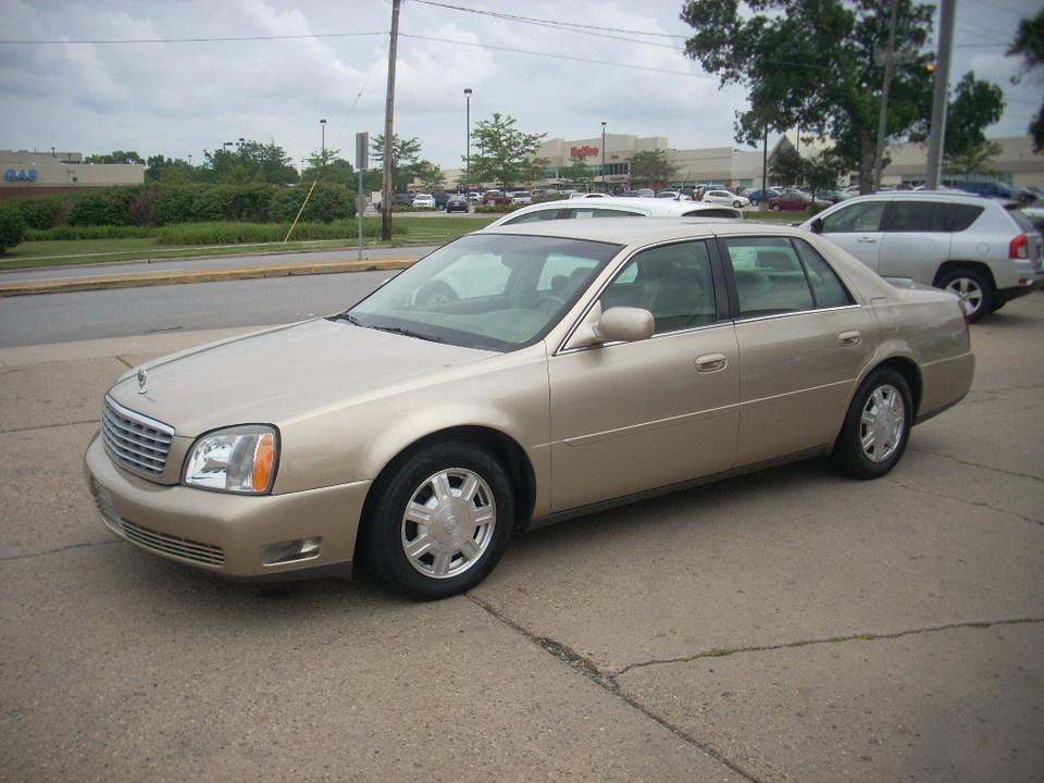 2005 Cadillac DeVille  - Moss Motors