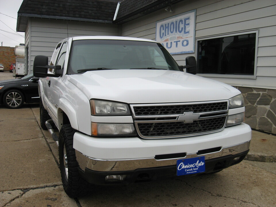 2005 Chevrolet Silverado 2500HD LS  - 161233  - Choice Auto