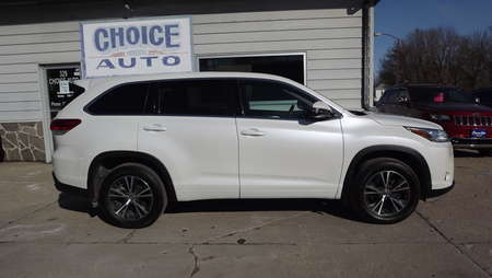 2017 Toyota Highlander LE for Sale  - 160611  - Choice Auto