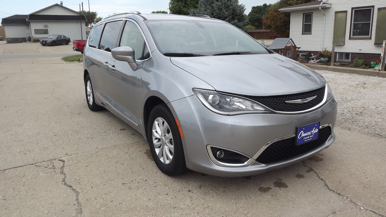 2019 Chrysler Pacifica Touring L  - 161163  - Choice Auto
