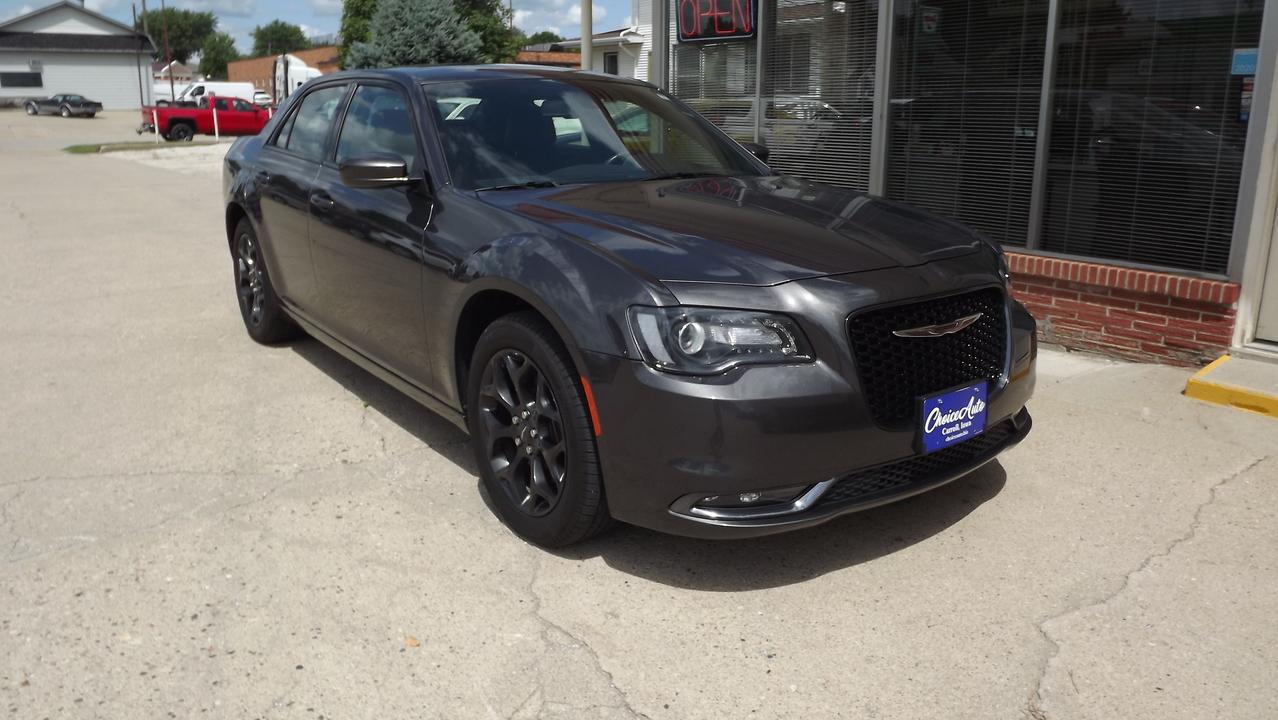 2019 Chrysler 300 300S  - 161142  - Choice Auto