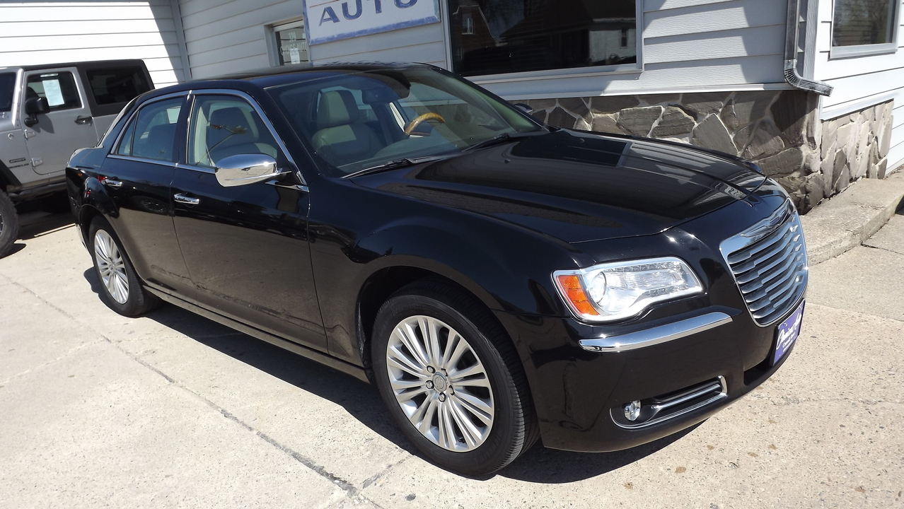2013 Chrysler 300  - Choice Auto