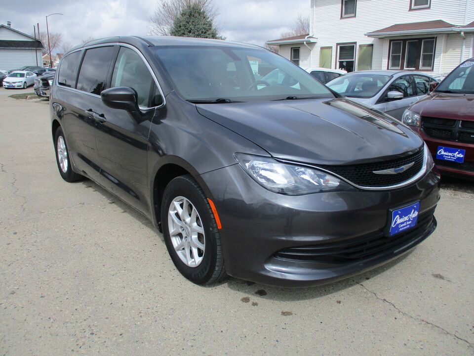 2018 Chrysler Pacifica Touring  - 161372  - Choice Auto