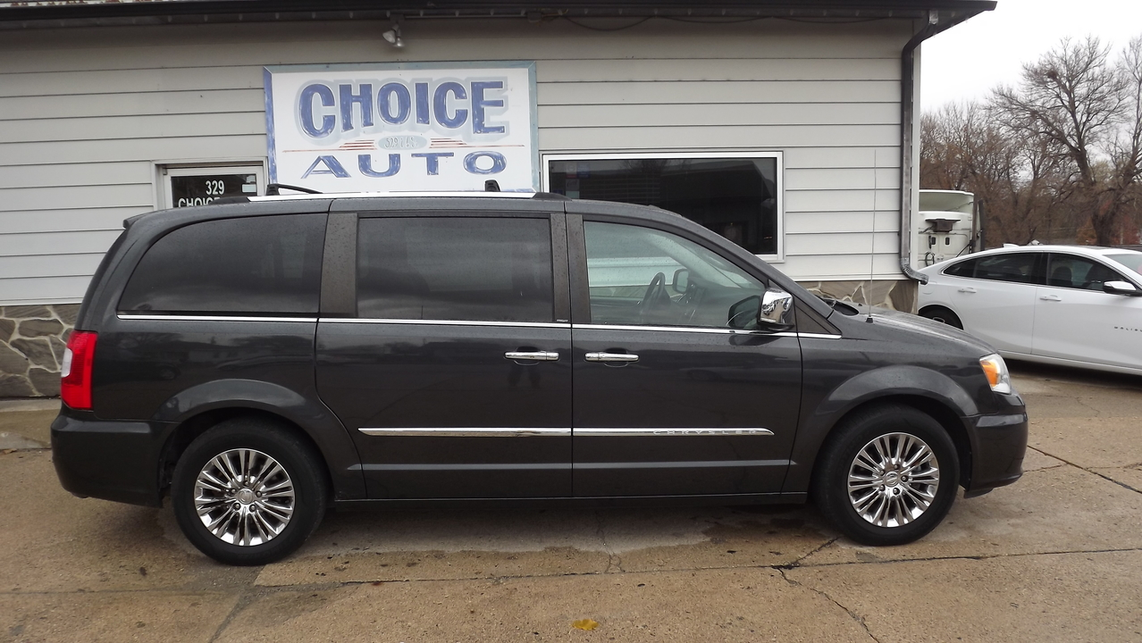 2011 Chrysler Town & Country  - Choice Auto