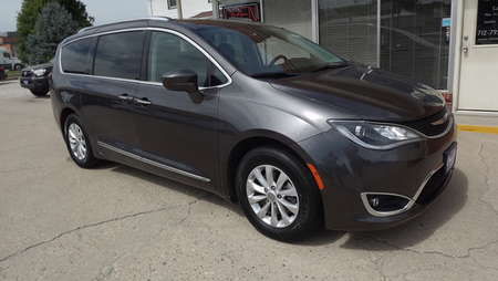 2019 Chrysler Pacifica Touring L for Sale  - 161160  - Choice Auto