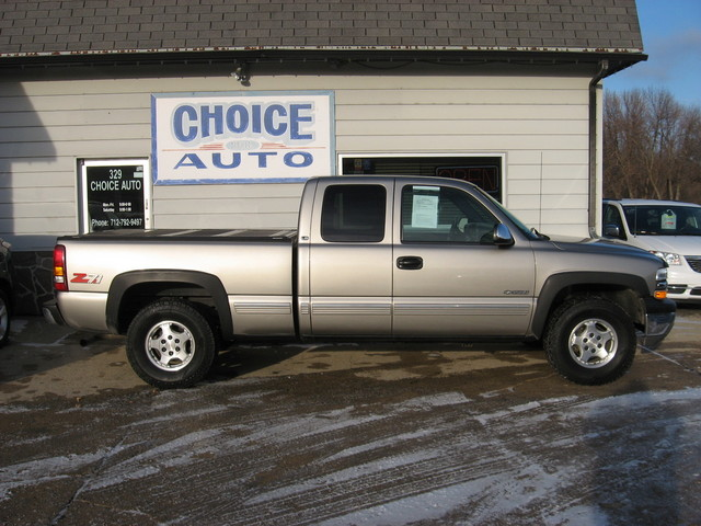 1999 Chevrolet Silverado 1500 LS 4WD ONE OWNER!