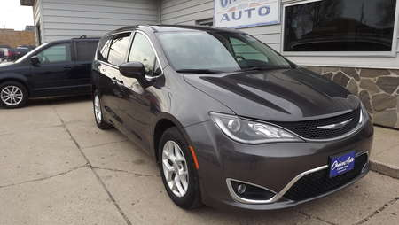 2017 Chrysler Pacifica Touring Plus for Sale  - 160922  - Choice Auto