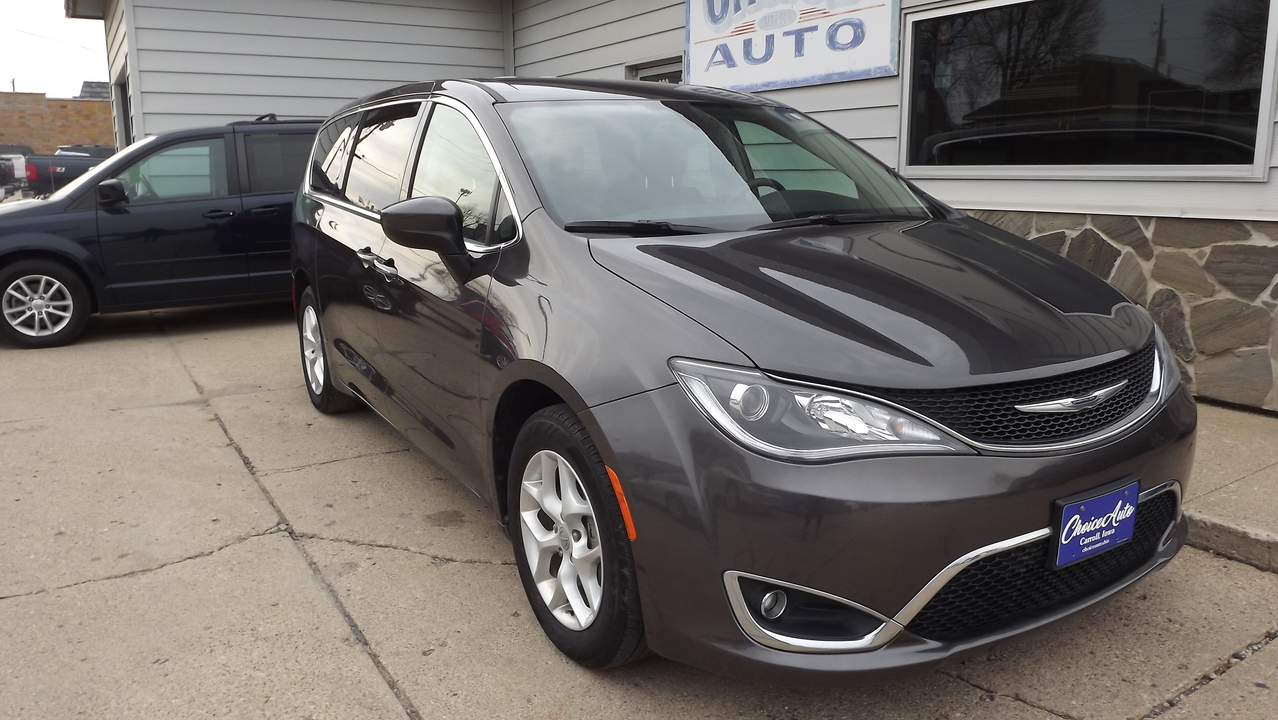 2017 Chrysler Pacifica Touring Plus  - 160922  - Choice Auto