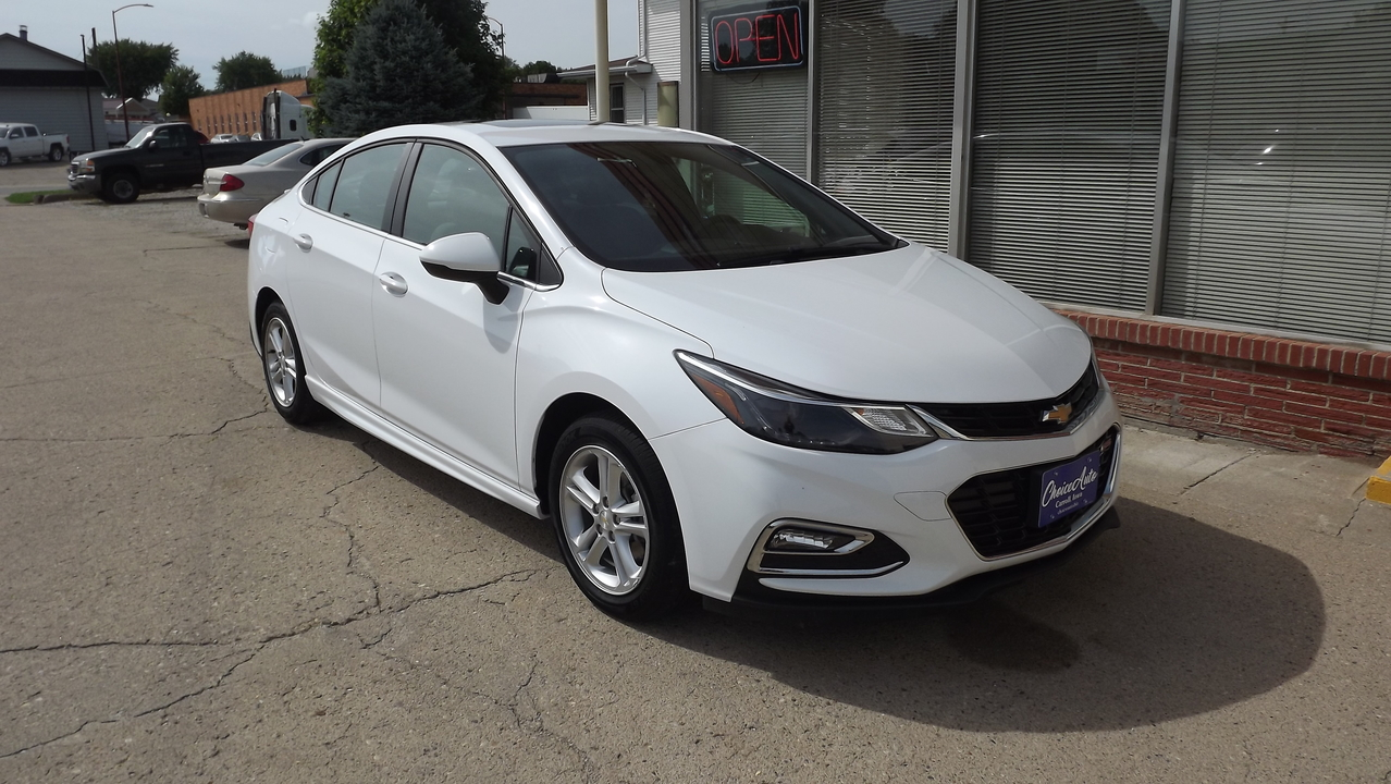 2017 Chevrolet Cruze LT  - 16118  - Choice Auto
